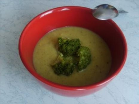 Przepis: zielona zupa-krem z brokułów