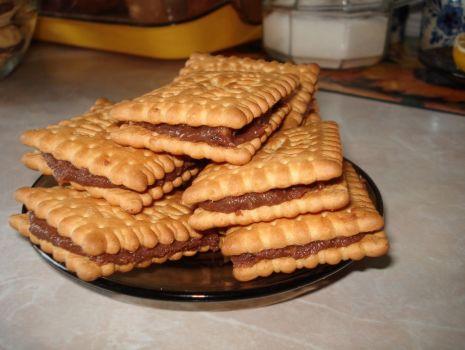 Przepis: herbatniki z kremem czekoladowym