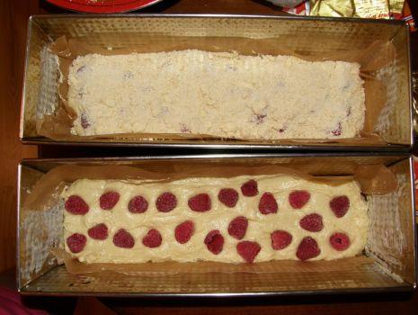 Przepis: Ciasto z malinkami i kruszonką