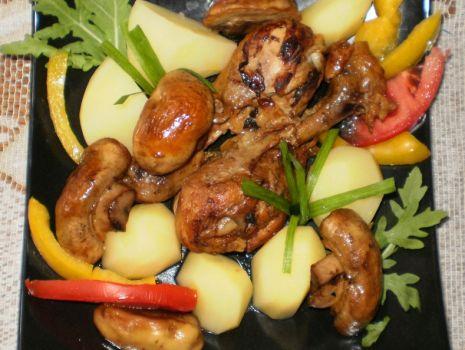 Przepis: Pałki z kurczaka z pieczarkami na pikantnie :