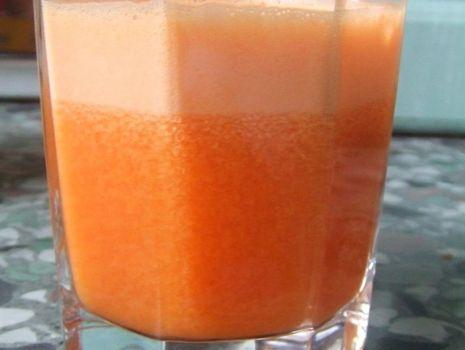 Przepis: Świeży sok marchewkowo-cytrusowy