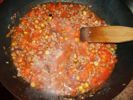 Przepis: Pomidorowo-warzywny sos do spaghetti
