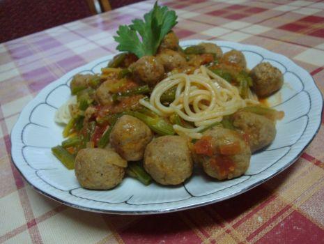 Przepis: spaghetti z kulkami mięsnymi