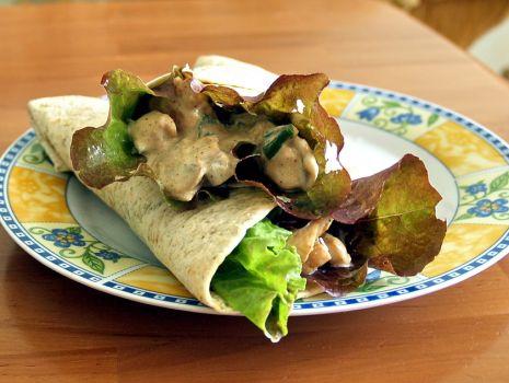 Przepis: tortilla z kurczakiem i pieczarkami
