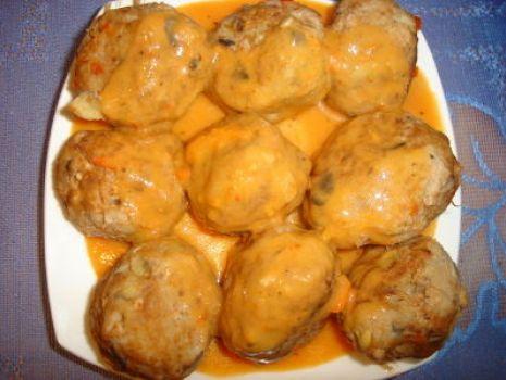 Przepis: Pulpeciki w pomidorowym sosie