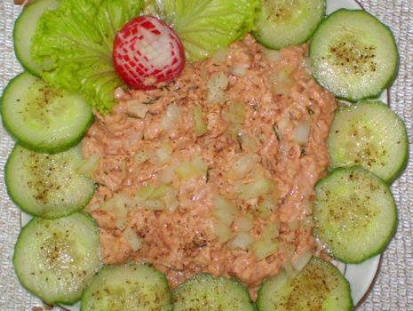 Przepis: Pomidorowy tuńczyk – pasta do kanapek :