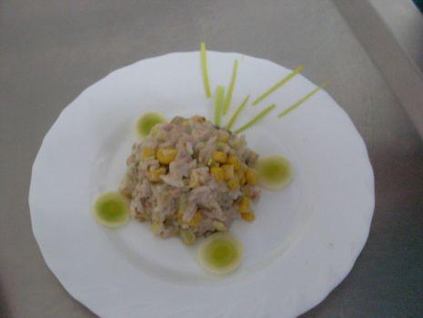 Przepis: Sałatka z tuńczyka