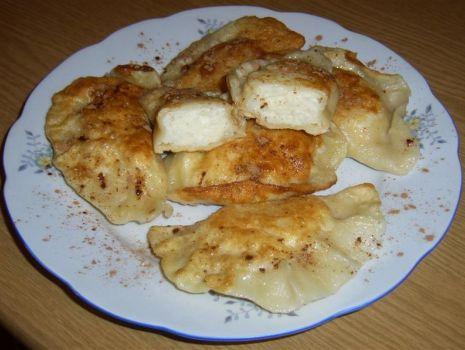Przepis: Pierogi z serem oszczędne