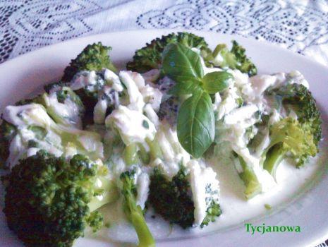 Przepis: Brokuły z sosem