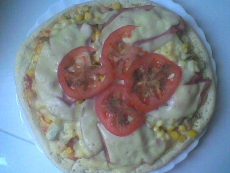 Przepis: Pizza z pomidorami