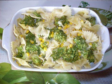 Przepis: Zapiekanka makaronowo brokułowa