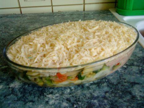 Przepis: Zapiekanka ziemniaczano-warzywna