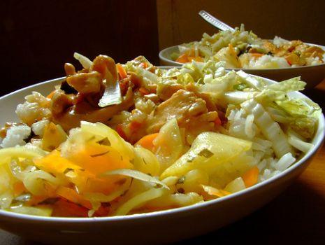 Przepis: Sałatka wiosenna z ryżu