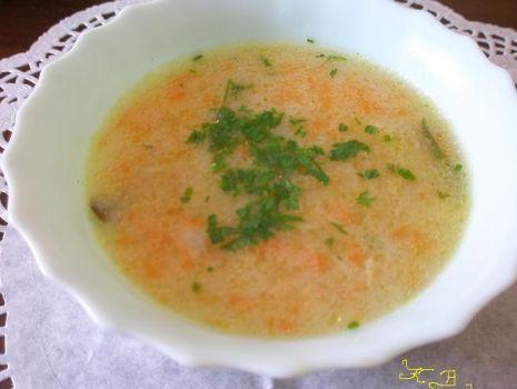 Przepis: zupka  z manną i warzywkami