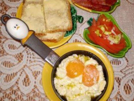 Przepis: Jajecznica-,,maczanka,, :