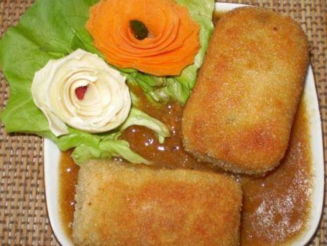 Przepis: Krokiety z ziemniaków, kurczaka i pieczarek :
