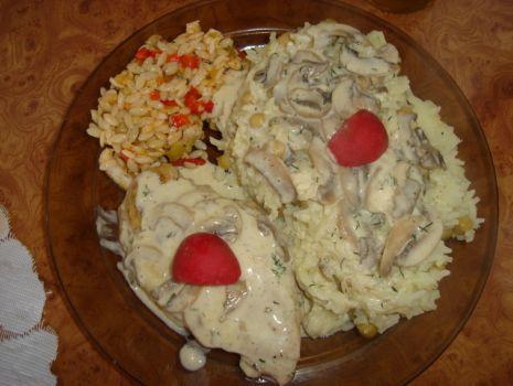 Przepis: Piers z kurczaka z pieczarkami i serem topionym