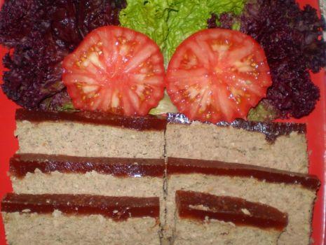 Przepis: Pasztet z indyka z galaretką wiśniową :