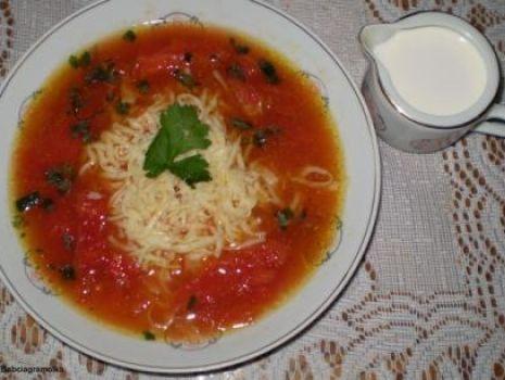Przepis: Zupa pomidorowa z całych pomidorów :