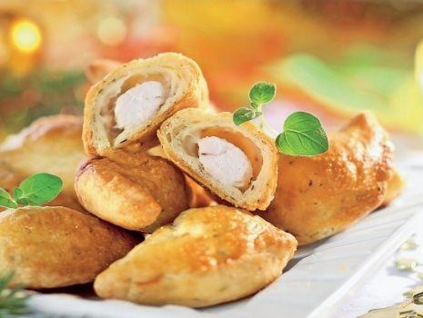 Przepis: Pierogi pieczone z mięsem z kurczaka