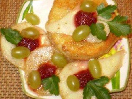 Przepis: Camembert smażony z gruszkami :
