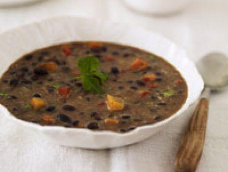 Przepis: Zupa z czarnej fasoli