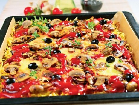 Przepis: Zapiekanka makaronowa z pieczarkami