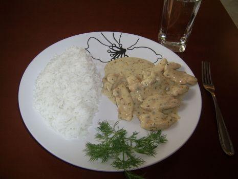Przepis: Piersi z kurczaka w sosie śmietankowo - ziołowym