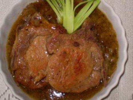 Przepis: Kotlety wieprzowe w sosie miętowo-jabłkowym wg Babcigramolki :