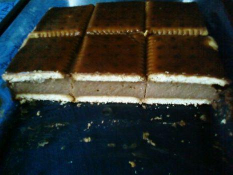 Przepis: Sernik na ciastkach w dwóch wersjach.