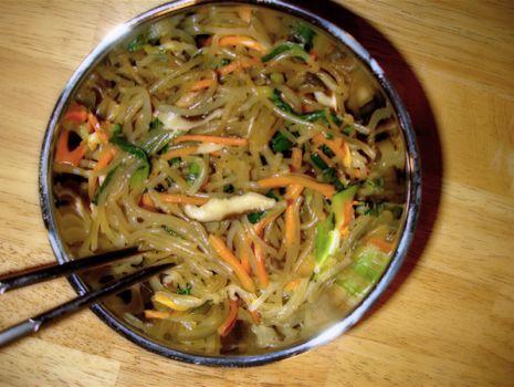 Przepis: Chiński makaron z grzybami