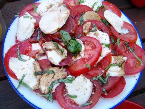 Przepis: Pomidory z mozzarellą wg Aleex