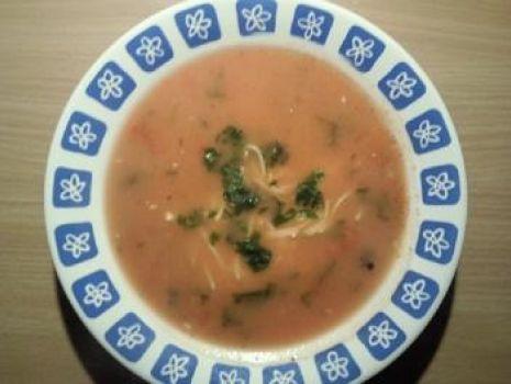 Przepis: zupa pomidorowa z serkiem topionym