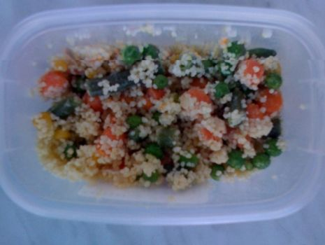 Przepis: Sałatka z kuskusem i warzywami