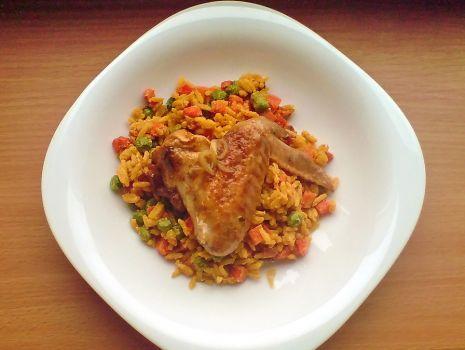 Przepis: skrzydełka z ryżem i warzywami