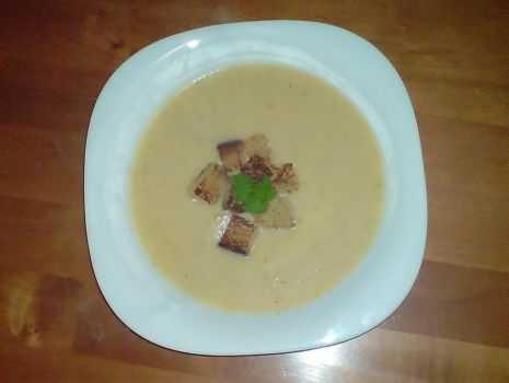 Przepis: kalafiorowo-serowa zupa krem