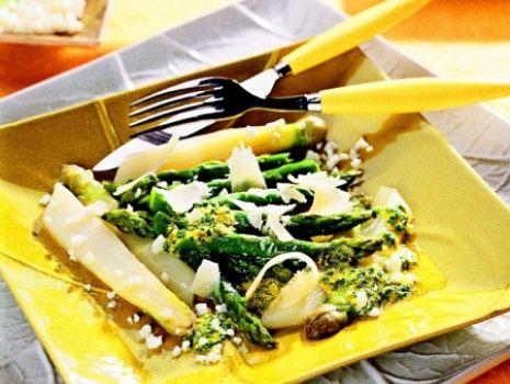 Przepis: Szparagi z parmezanem