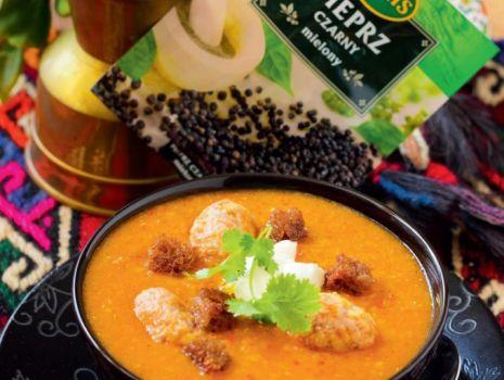 Przepis: Zupa z czerwonej soczewicy z köftesi