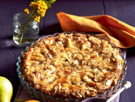 Przepis: Miodowa tarta z gruszkami