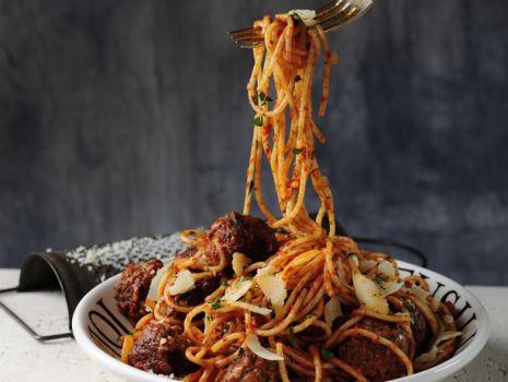 Przepis: Spaghetti z klopsikami