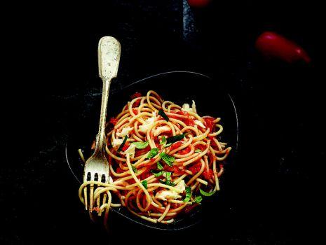 Przepis: Spaghetti ze świeżymi pomidorami