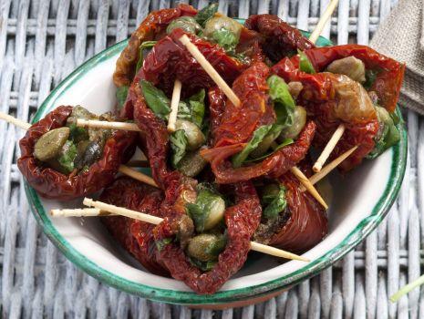 Przepis: Pomidory suszone z kaparami i anchois