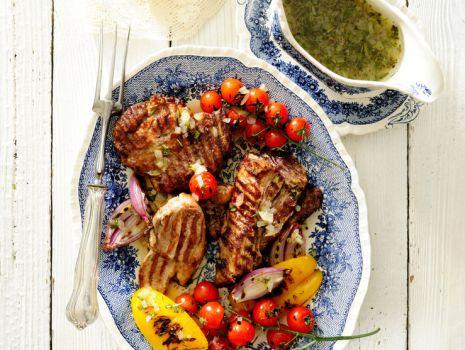 Przepis: Mięsa grillowane z papryką i pomidorkami