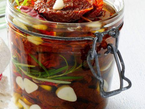 Przepis: Suszone pomidory w oliwie
