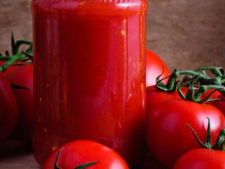 Przepis: Sos pomidorowy - na pinot noir