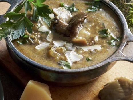 Przepis: Zupa grzybowa - maślakowa z parmezanem
