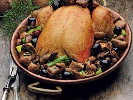 Przepis: Kurczak z oliwkami i selerem