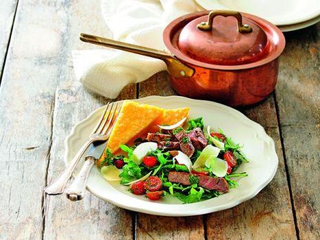 Przepis: Stek wołowy z pesto i polentą