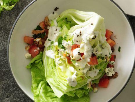 Przepis: Ćwiartka lodowej w serowym sosie