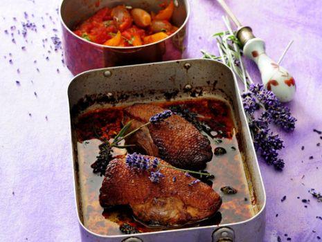 Przepis: Filety z piersi kaczki w miodzie lawendowym